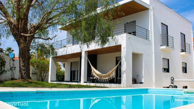 Casa T5 com piscina, jardim e garagem em Beja