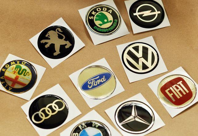 Naklejki 10 znaczków do kolekcji dla dzieci marki samochodów