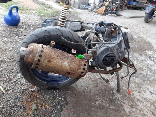 мотор на скутер 4т/80 кубов/12е колесо