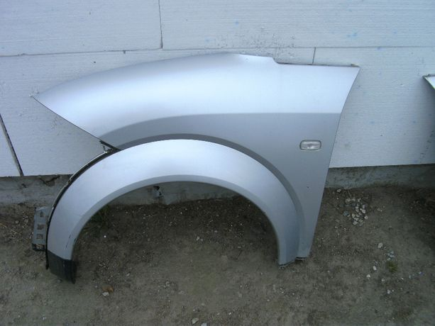 Audi A2 błotnik lewy przedni LY7W