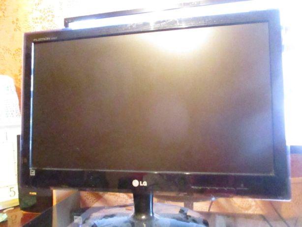 Продам компьютерный монитор LG