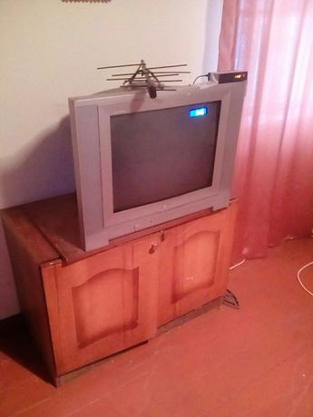 Телевизор LG с приставкой Т-2 и антена !!!