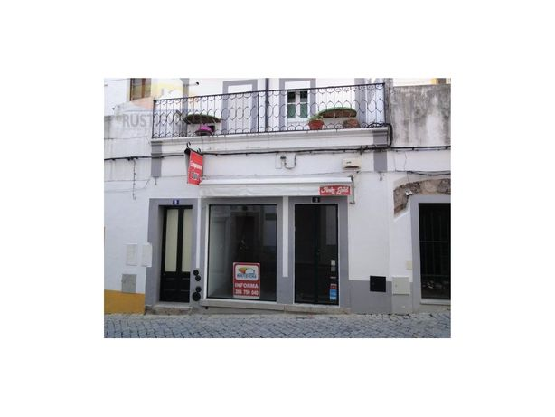 Loja/Espaço Comercial | Rua central do Centro Histórico |...