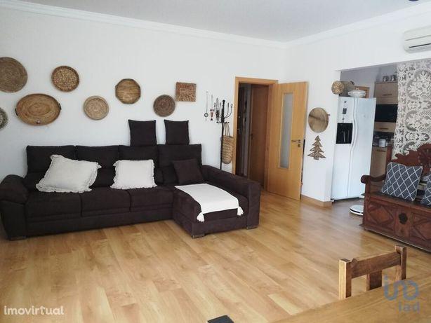 Apartamento - 99 m² - T2