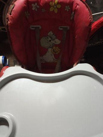 Fotelik dla dziecka do karmienia