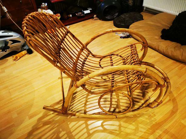Fotel bujany z bambusa rezerwacja