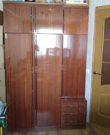 Шкаф  для спальни самовывоз