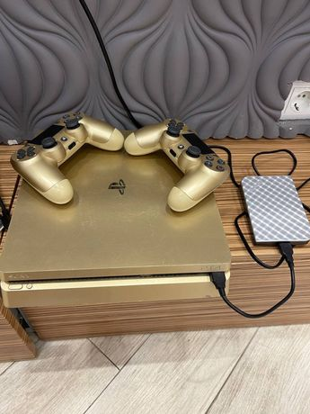 Play Station 4 Slim Gold