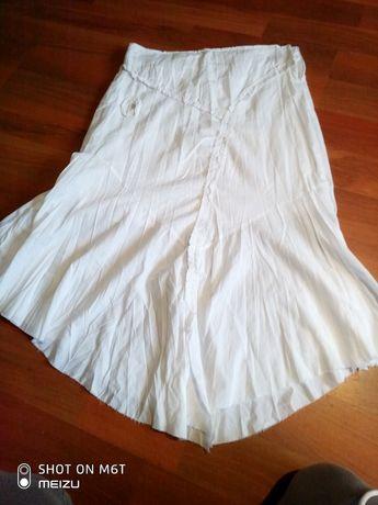Spodnica biala na lato