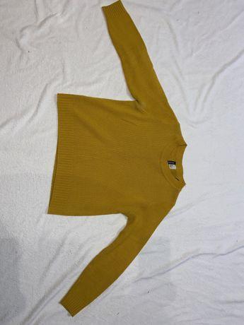 Żólty sweter