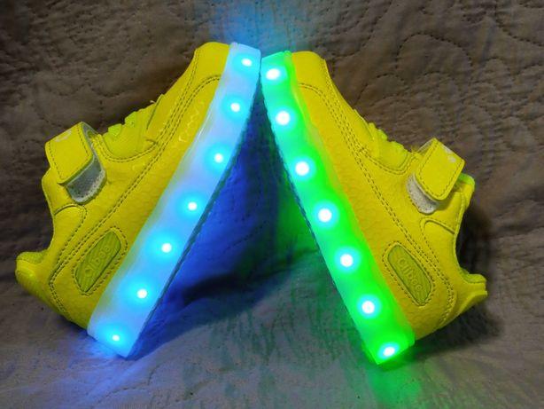 Кроссовки Clibee с подсветкой, LED,  26,27,28,29,30,31. Разные цвета .