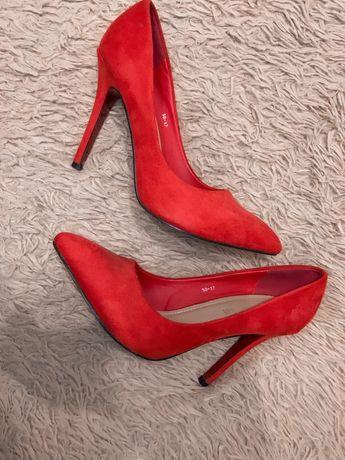Лодочки (туфли)