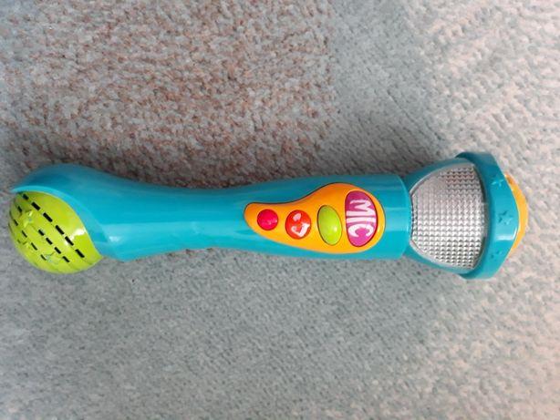 Mikrofon dla małej wokalistki
