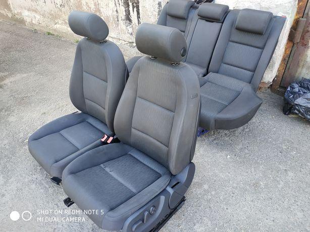 Продам комплект сидений АУДИ А4 В7 авант 2008г.
