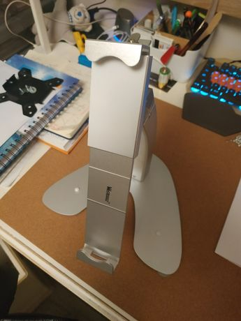 Metalowy stojak na tablet z kluczykiem