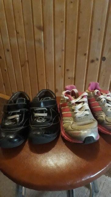 продам дитячі кросовки
