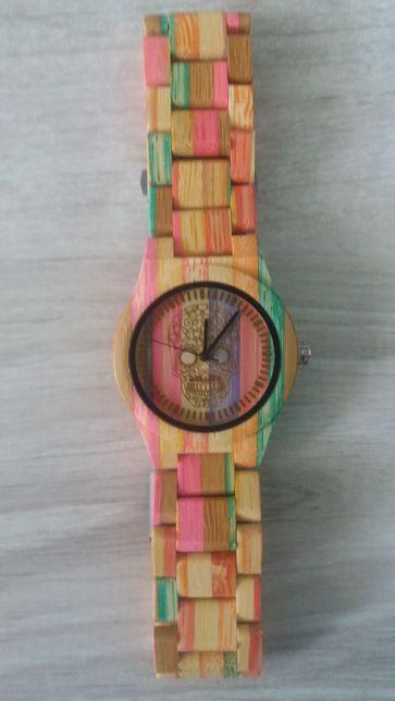 Nowy drewniany zegarek, kolorowy z trupią czaszką na tarczy,piękny!!!