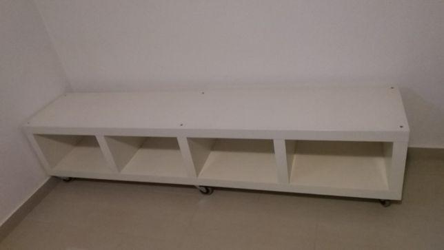 Movel para TV Branco com 4 nichos