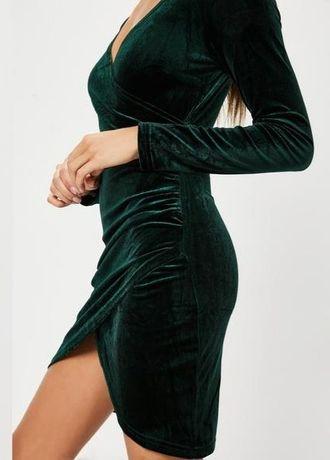 Шикарное изумрудно-зеленое бархатное вечернее платье
