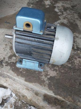 Silnik elektryczny trójfazowy 1 kw
