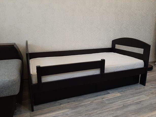 Кроватка детская из масива бука с матрацом