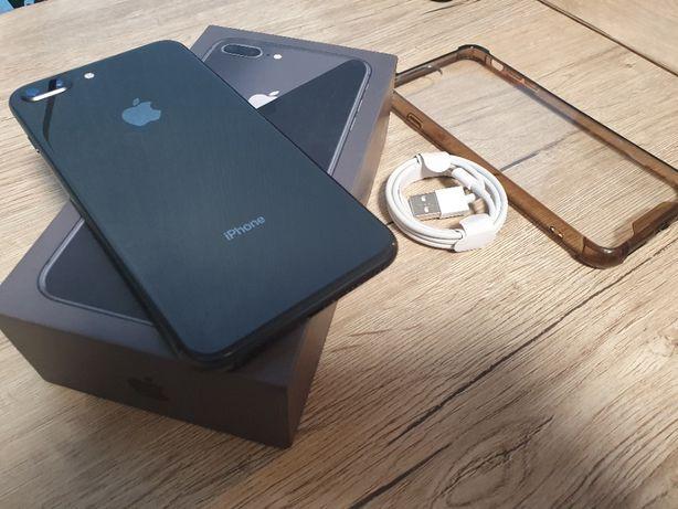 IPhone 8+ 64gb,Space Gray, неверлок, iOS 14.2, с чехлом и кабелем