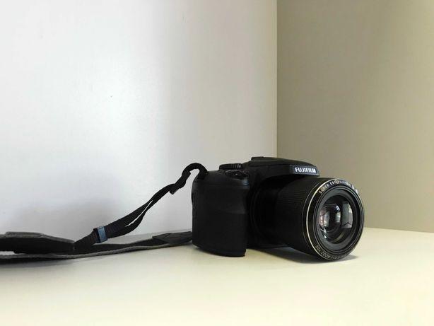 Aparat Fujifilm Finepix SL1000