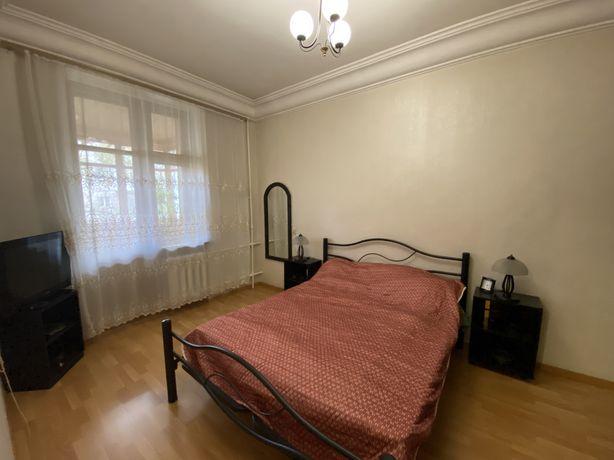 Квартира на проспекте Шевченко , сталинка!