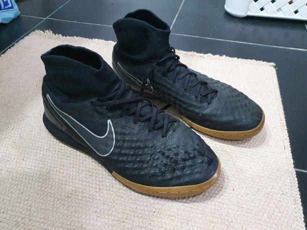 Sapatilhas futesal Nike 41