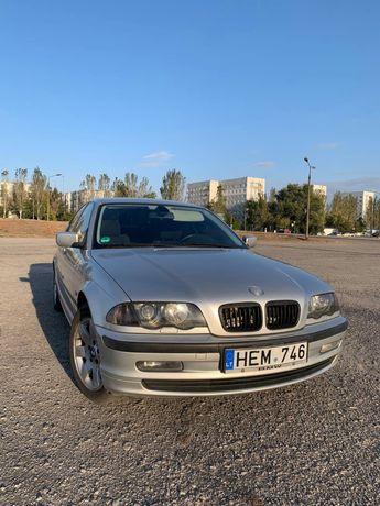 BMW 320i e46 2 литра бензин