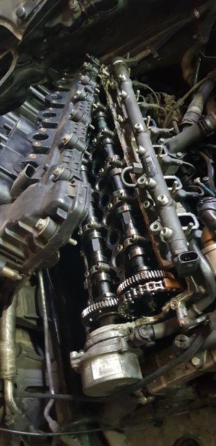 БМВ Е60 530 головка двигатель по запчастям коробка