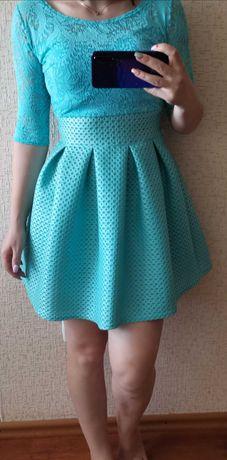Нарядное голубое платье неопрен
