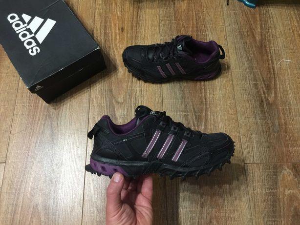 Кроссовки кросівки женские Адидас Adidas Kanadia р.38