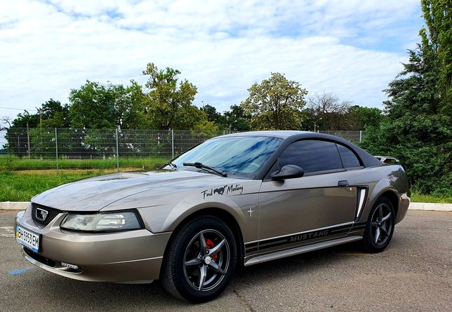 Продам авто Ford Mustang