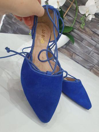 Balerinki niebieskie wiązane 36
