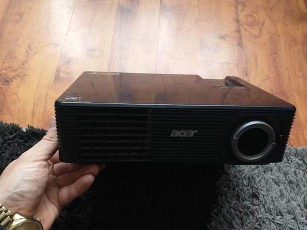 Projektor Acer 100% sprawny 100zl