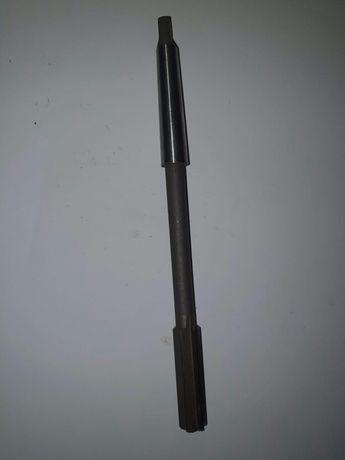 Rozwiertak maszynowy fi 16 H7 Fv