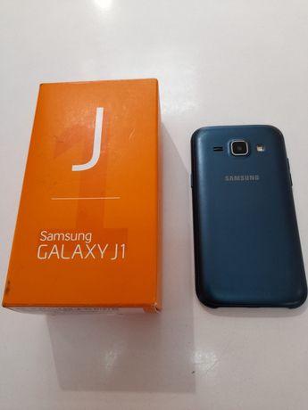 Samsung galaxy J1 на запчастини