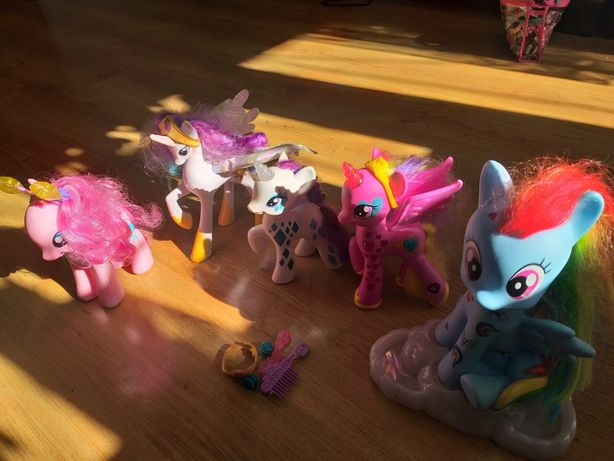 Zestaw koników pony Celestia Cadence Rarity Pinky Pie