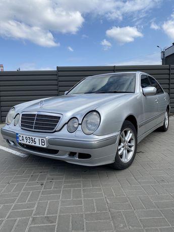 Mersedes-Benz E240 W210