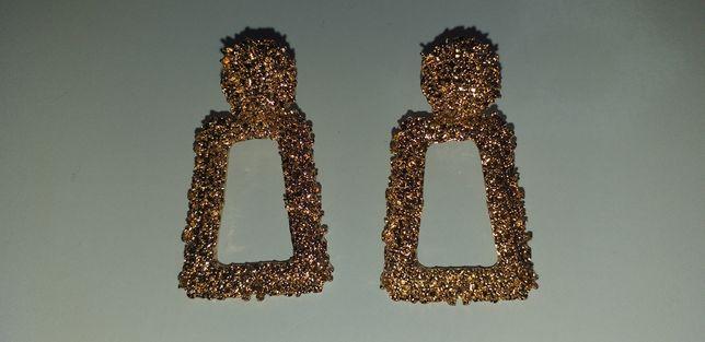 Złote kolczyki - nienoszone