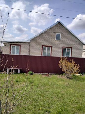 Продается дом в пгт Марковка ул. Виноградная 1