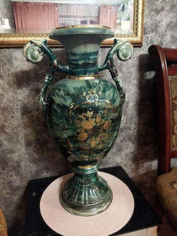Большая напольная ваза-амфора