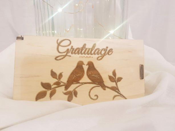 Drewniana koperta na ślub
