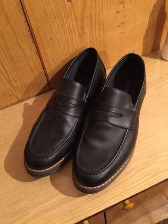 Продам туфли новые!