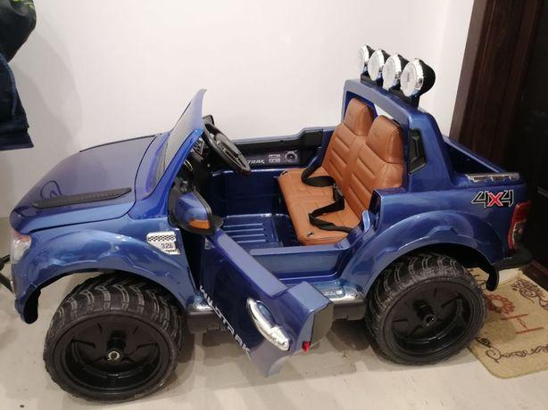 Детская машина Ford б/у в идеалтном состоянии