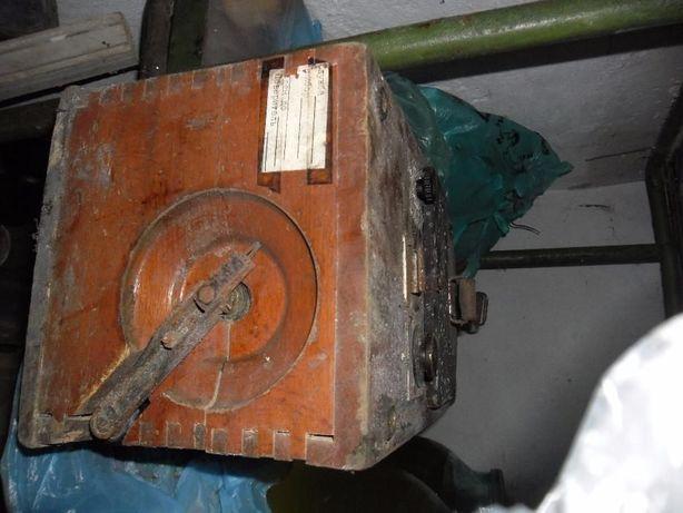 Измеритель заземления МС-07 год выпуска 1955