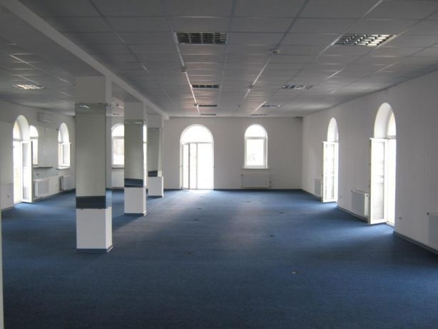 Сдам помещение по фасаду Левитана 180 кв.м. Ремонт, панорама, ковролин