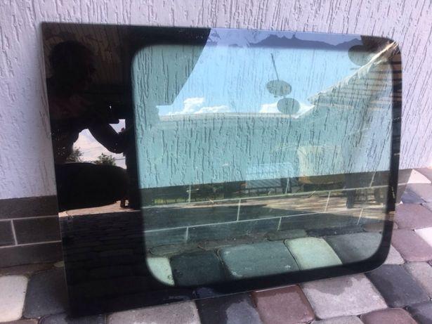 Стекло в боковую дверь VW Caddi