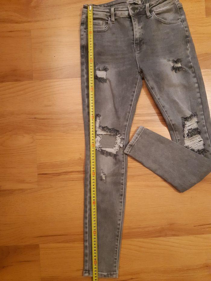 Szare spodnie,  jeansy z dziurami M/L Wrocław - image 1